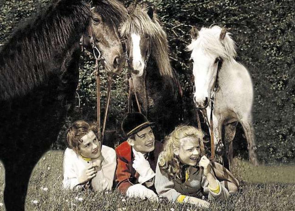 Angelika Meissner-Völkner, Matthias Fuchs und Heidi Brühl (v.li.) waren die Stars der Immenhof-Filme der 50er-Jahre. FOTO: ZDF