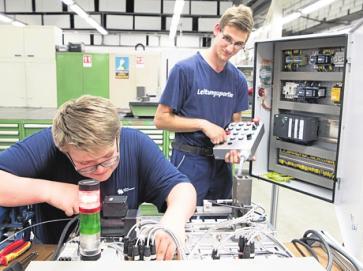 Technisch gibt es bei den Wasser- und Bäderbetrieben viele Überschneidungen. FOTO: J. CARSTENSEN/DPA