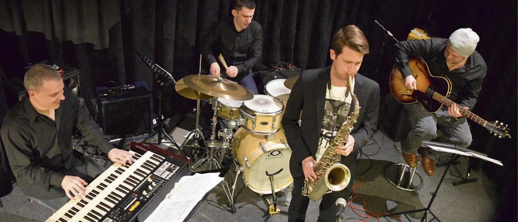 BYRN: Groove und Jazz vereinen die vier hochkarätigen Musiker aus Deutschland und Frankreich in ihrer Band BYRN. Die Zuschauer erwartet Groove & MainstreamJazz auf höchstem Niveau.