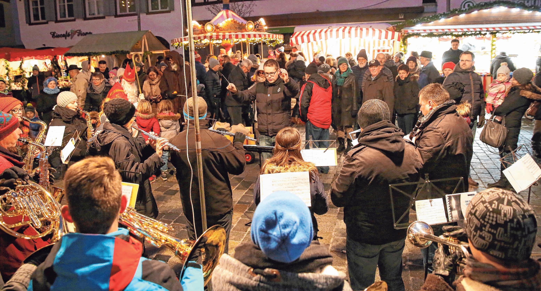 Die Besucher kommen in den Genuss eines abwechslungsreichen Musikprogramms. FOTO: WARNACK