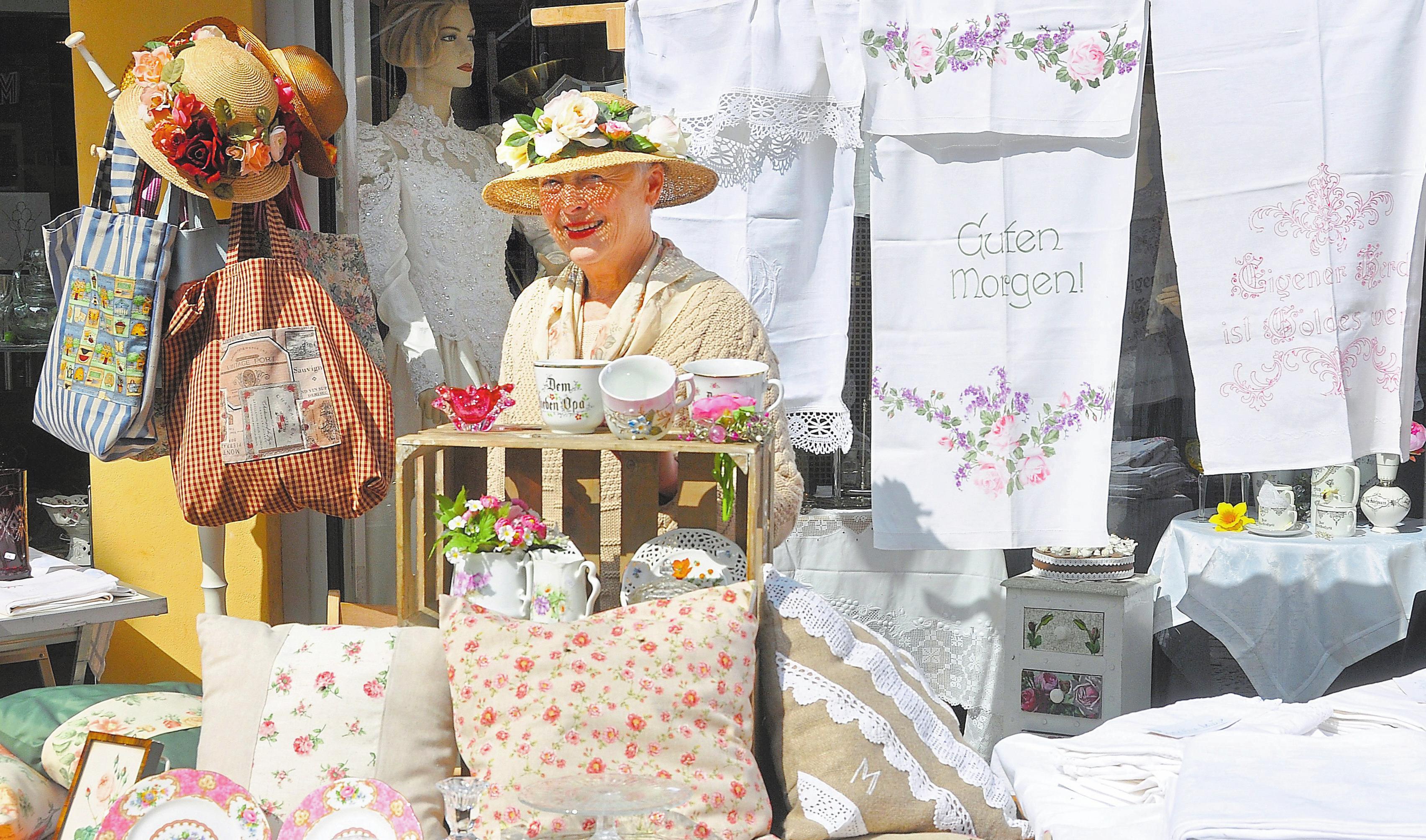Traditionelle Handwerkskunst steht nach wie vor im Mittelpunkt des Markts am ersten Maiwochenende in der Burgsteinfurter Innenstadt. Foto: Bernd Schäfer