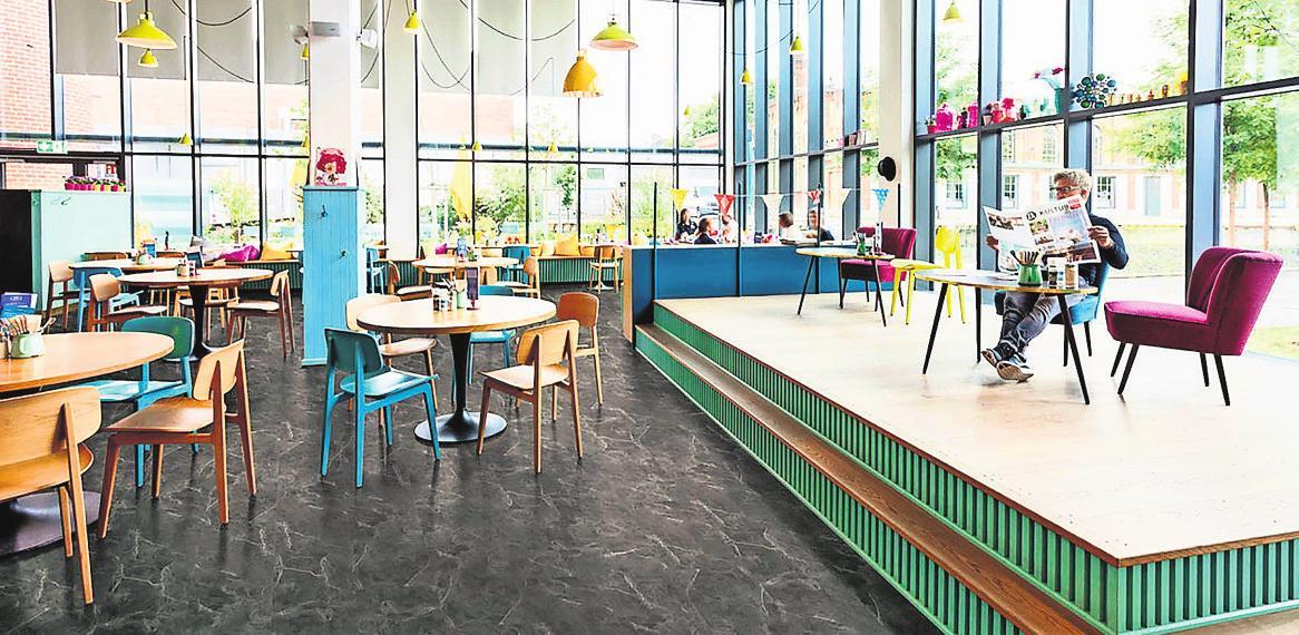 Auch im gewerblichen Bereich sind moderne Designböden, die frei von PVC- und Weichmachern sind, immer mehr gefragt. Foto: z/djd/Hamberger Flooring
