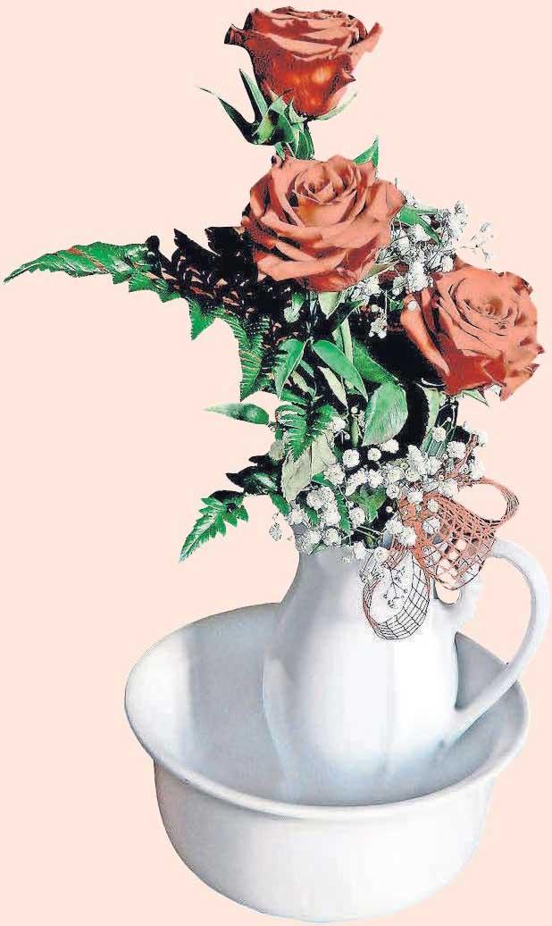 Bereits ein kleiner Strauß mit roten Rosen ist eine ideale Dekoration für den Valentinstag. Foto: pixabay.com