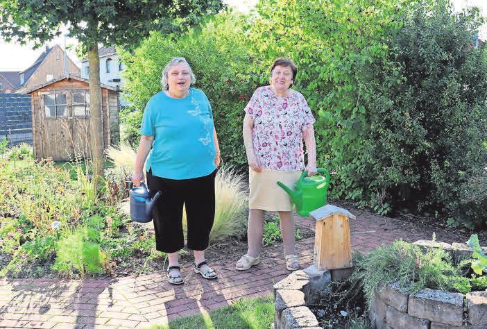 Bei der ASB-Tagespflege Egestorf können die Gäste auch im Garten gern selbst mit Hand anlegen.