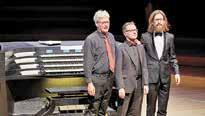 """Drei Organisten improvisieren am """"Tag der Orgel"""" Foto: Claudia Hoehne"""