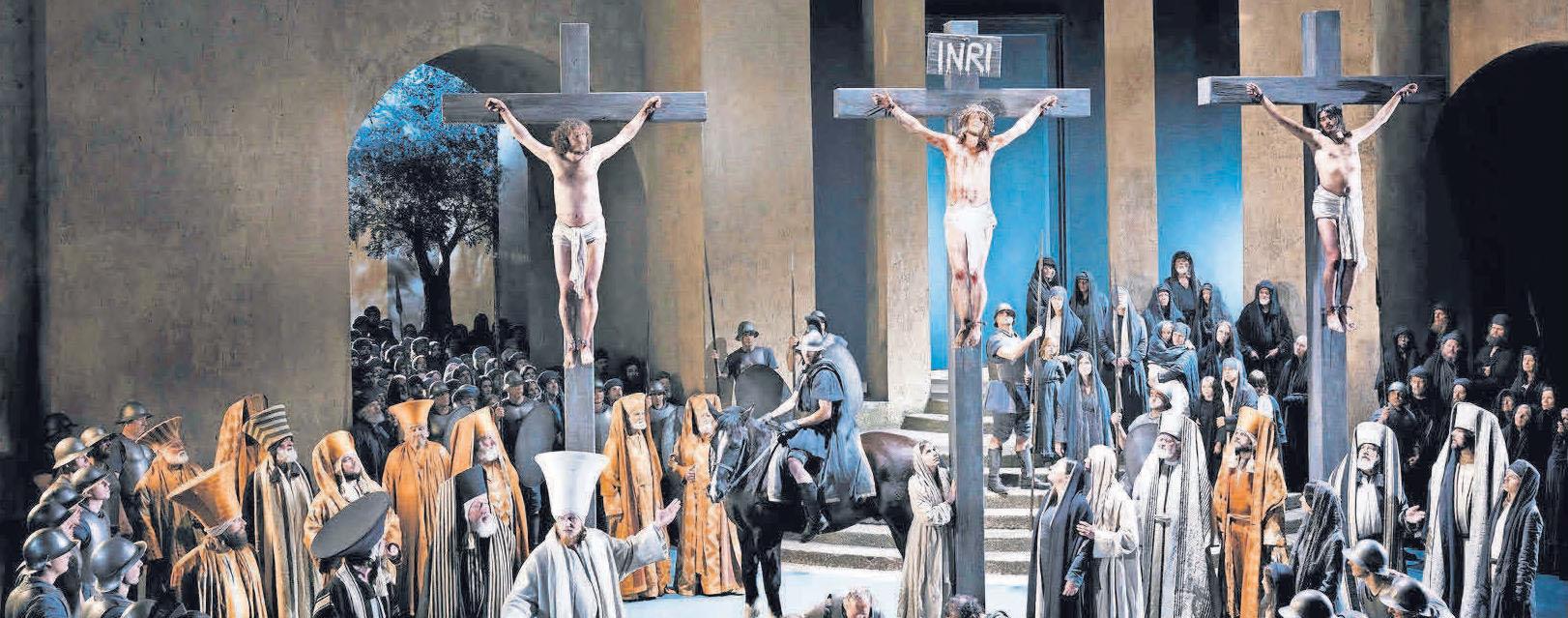 Bei einer sechstägigen Busreise werden auch die Passionsspiele in Oberammergau besucht.