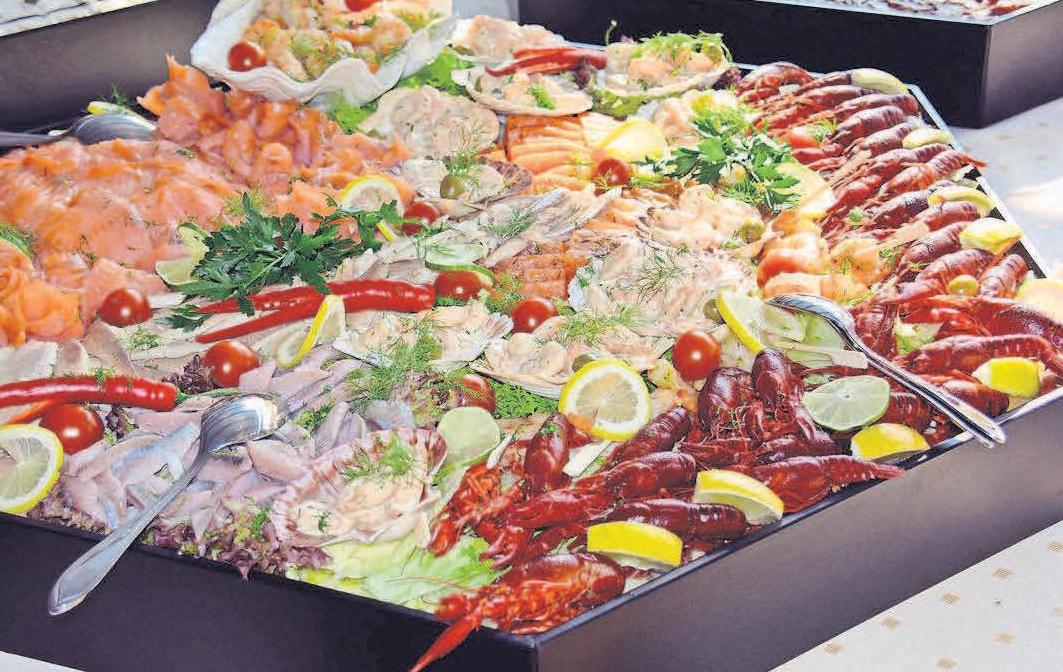 Der erste kulinarische Höhepunkt im Februar ist das Sylter Fischbüfett.