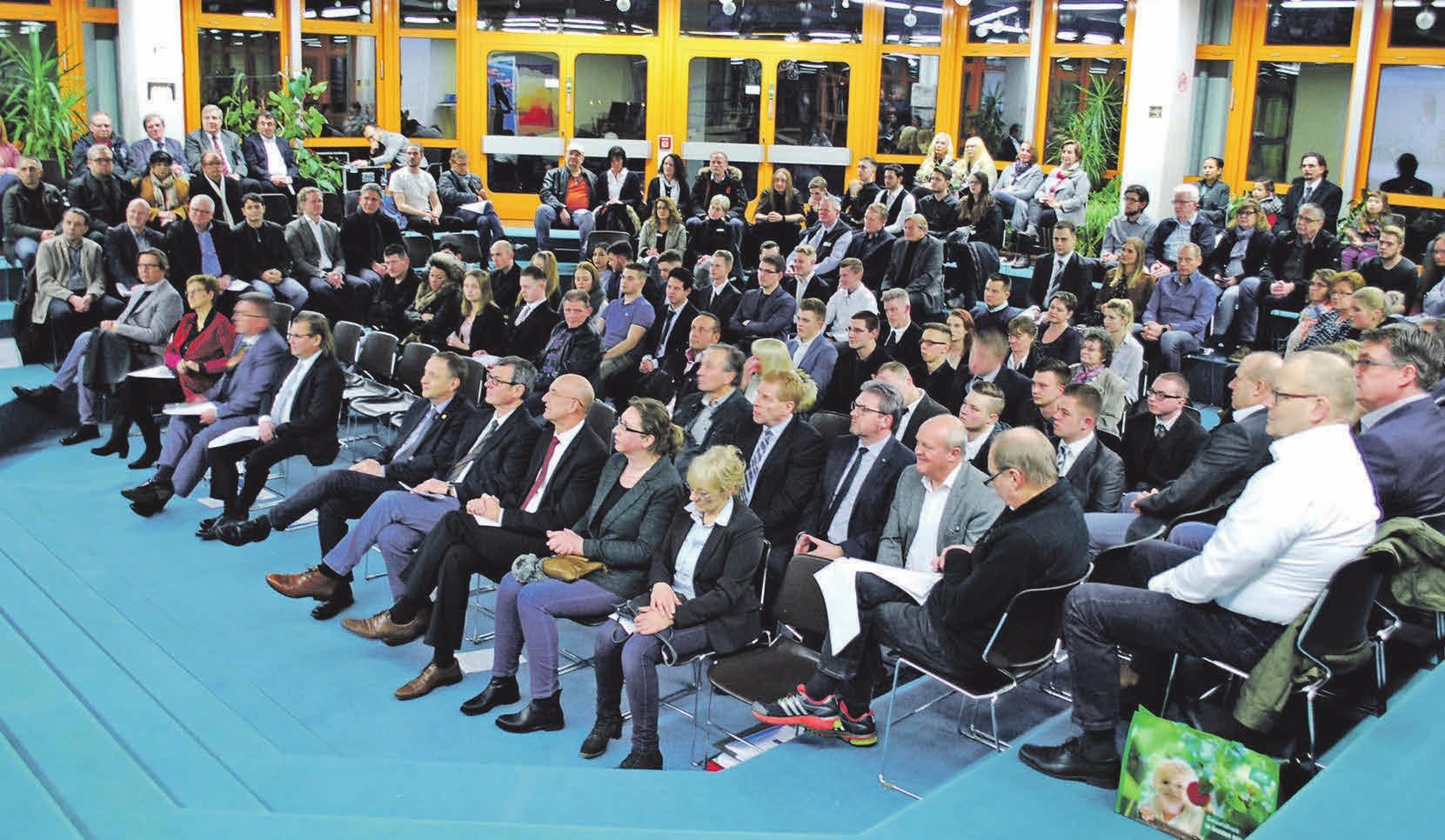 Die Freisprechungsfeier fand in den BBS in Vöhrum statt. Fotos (3): Birthe Kußroll-Ihle