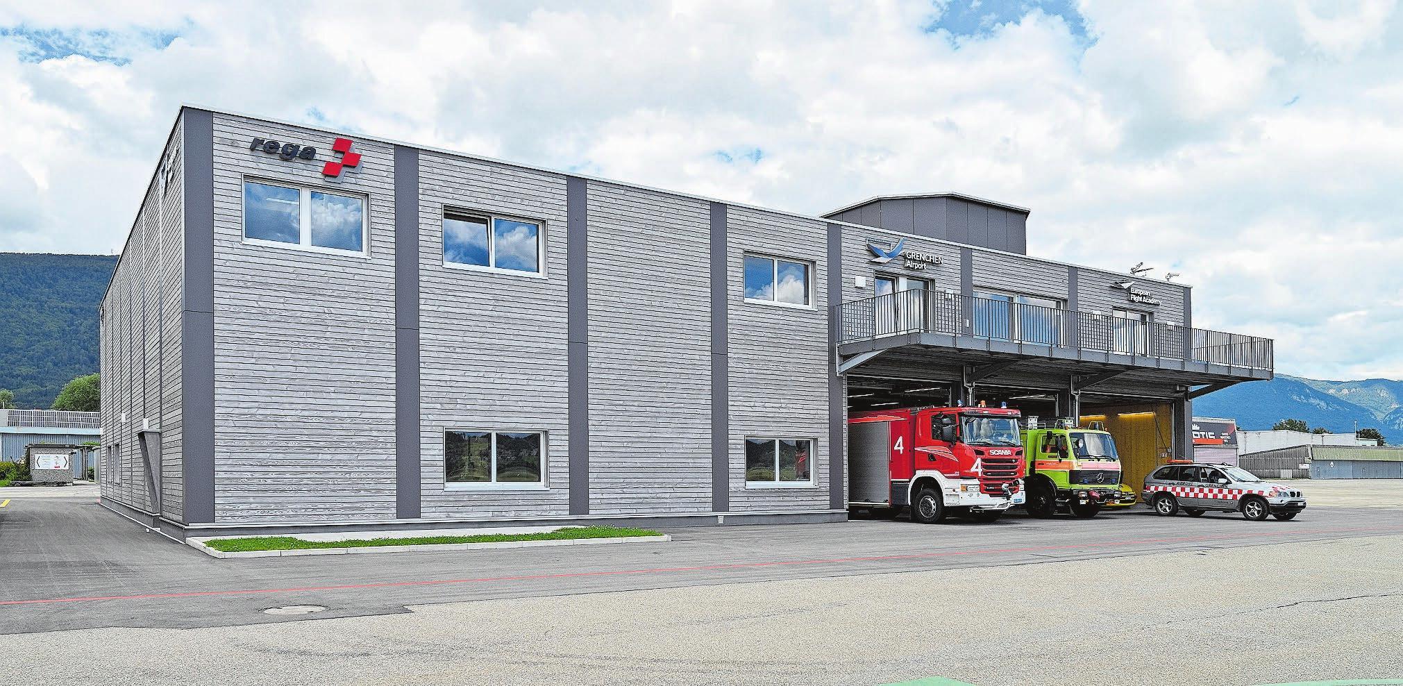 Der neue Werkhof mit Betriebsfeuerwehr, Werkstatt, dem neuen Hangar der Rega sowie Schulungs- und Sitzungsräumen. Bilder: Oliver Menge