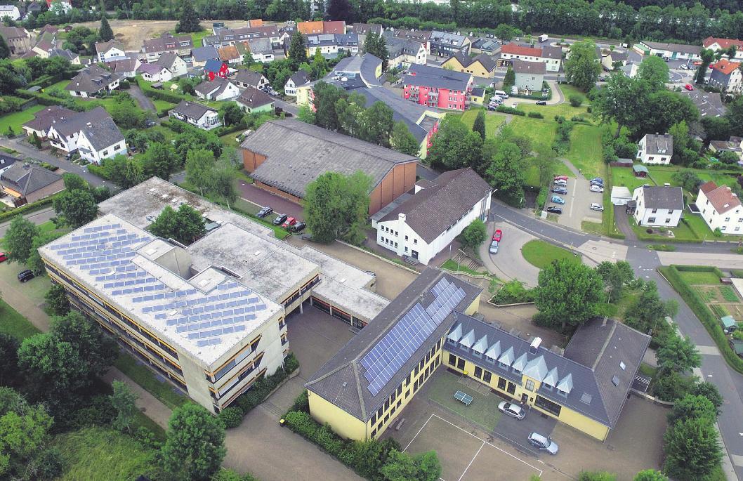 In der Hauptschule Hellenthal wird es dank steigender Anmeldezahlen langsam sogar eng Bild: Franz Küpper