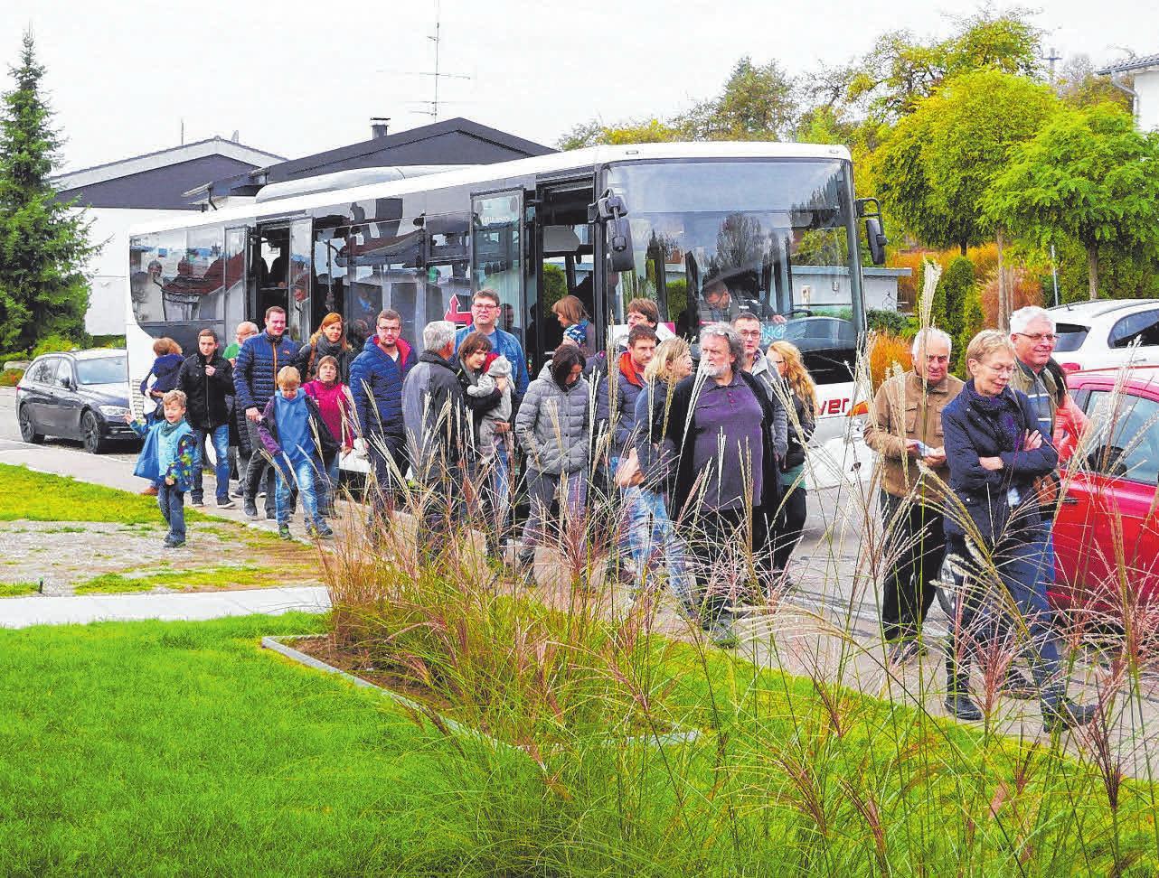 Im Bus wird Peter Kaufmann den Teilnehmern viele Informationen liefern.