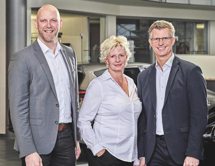 Die Geschäftsführung vom Autohaus S+K (v.l.): Carsten Schulz sowie die Geschwister Christina und Mathias Süchting Foto: S&K
