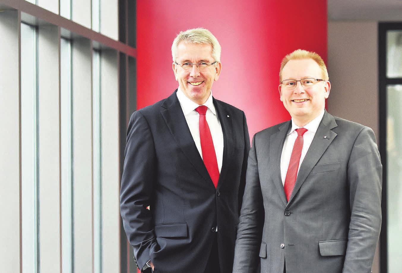 Uwe Hacke (links), Markus Teichert (rechts). FOTOS: SPARKASSE DUDERSTADT