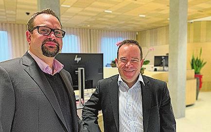 Benjie Egloff, Leiter Anlagekundenberatung, und Patrick Hartmann, Leiter Versicherungsberatung. Bild: PD
