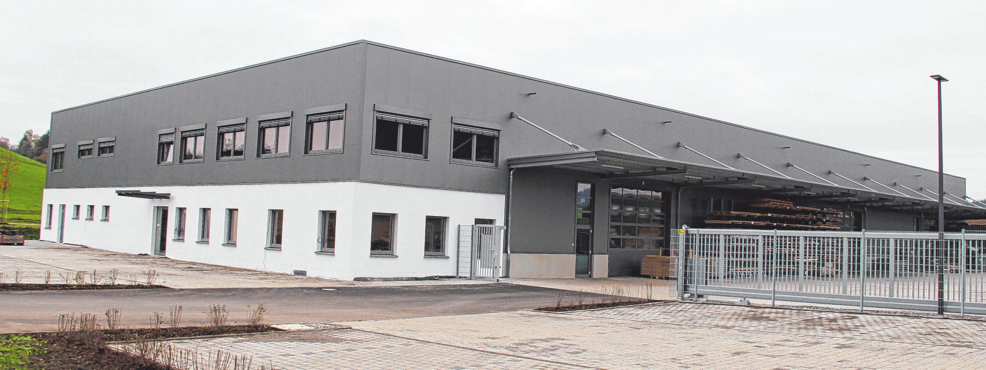 Seit der Gründung im Jahr 2011 ist die Blechbearbeitungsfirma stetig gewachsen und hat sich nun auch am neuen Standort flächentechnisch vergrößert. FOTO: M.KAESS