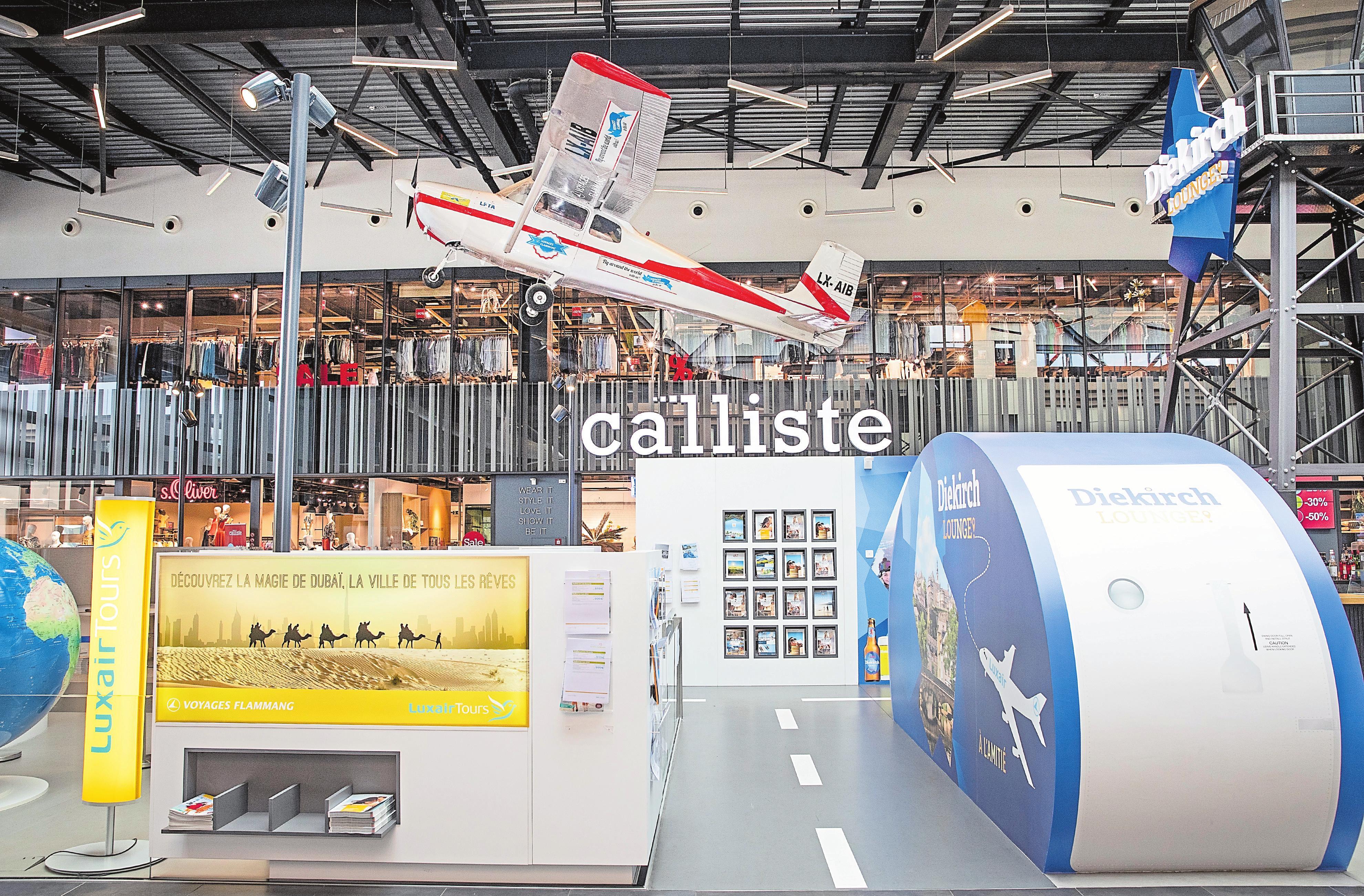 Die große Galerie ist ein kompletter Rundgang mit vielen Geschäften. Steve Eastwood