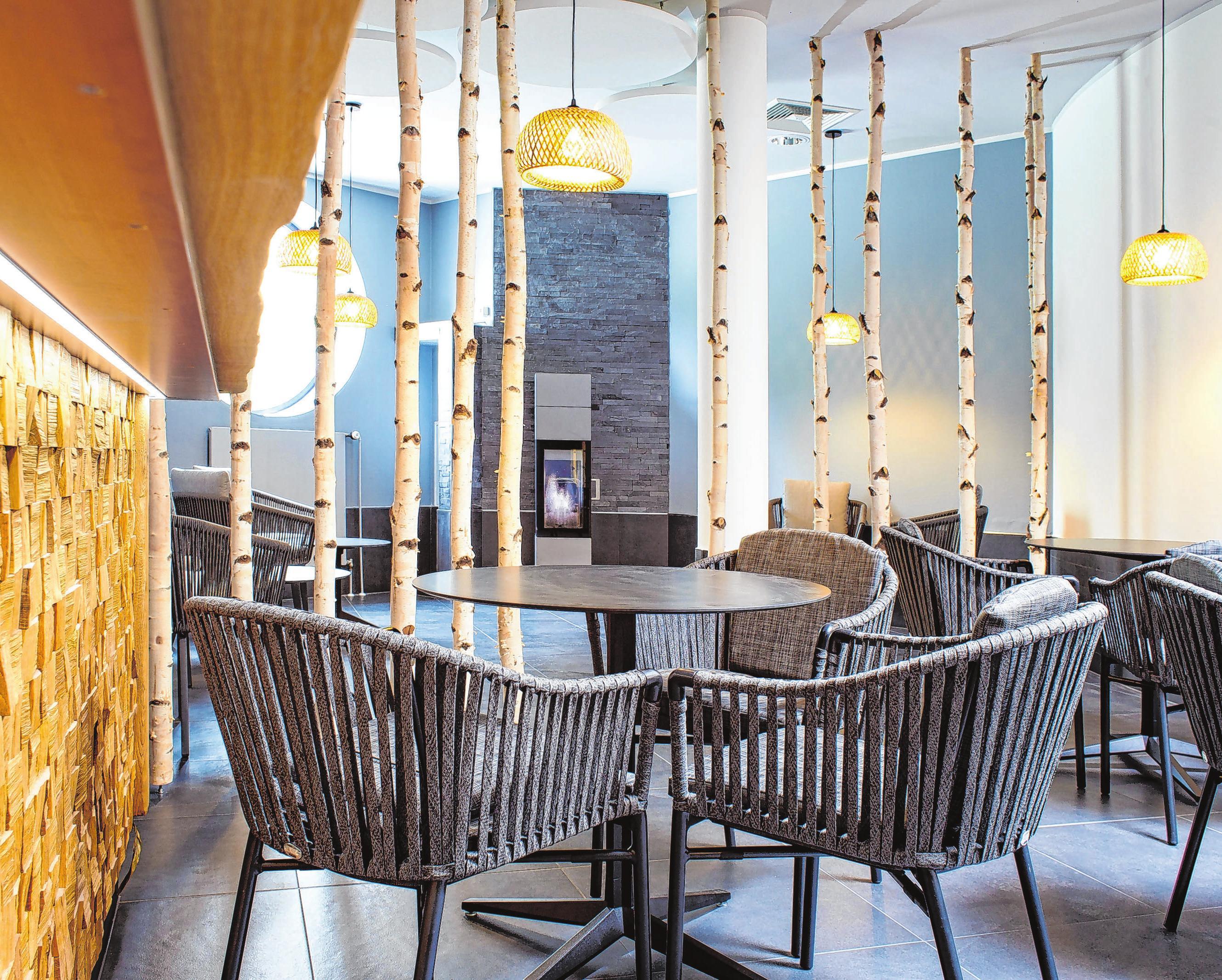Auch der Gastronomiebereich im Inselbad wurde neu gestaltet. Foto: FORMWERK Eisenhüttenstadt/Fel