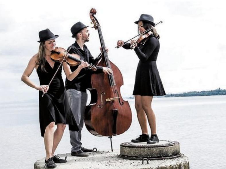 Dot Dot Dot: ein Trio aus zwei Geigen und einem Kontrabass. Irgendwo zwischen Folk, Jazz und Klassik mischt das Trio seine selbstkomponierte Musik zu einer ganz eigenen, verspielten, unkonventionellen Klangwelt.