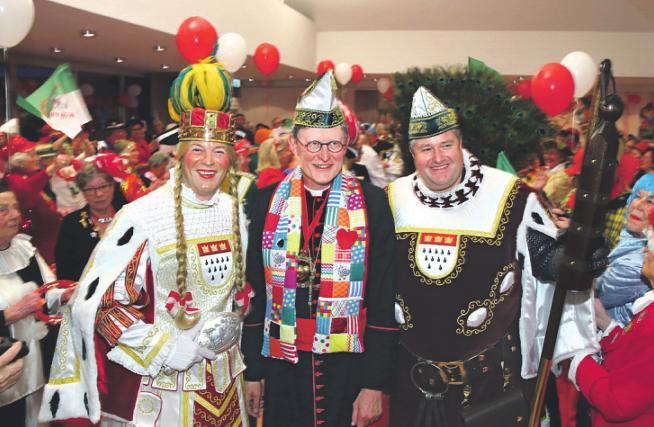 Beistand von oben: Mitte Januar vertrat Kardinal Wölki den erkrankten Prinzen Christian II. bei einem Auftritt im Kardinal-Frings-Saal.Foto: Martina Goyert