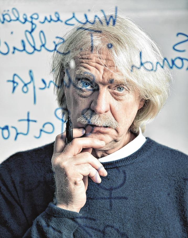 Axel Petermann liest im Senator-Neumann-HausFoto: Stefan Kuntner