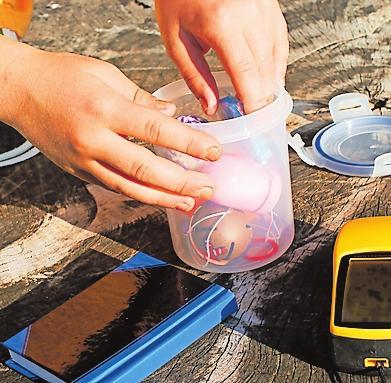 Am Ziel angelangt: Geocaching ist auch in der Pfalz möglich. Foto: adobe.stock/Anikakodydkova