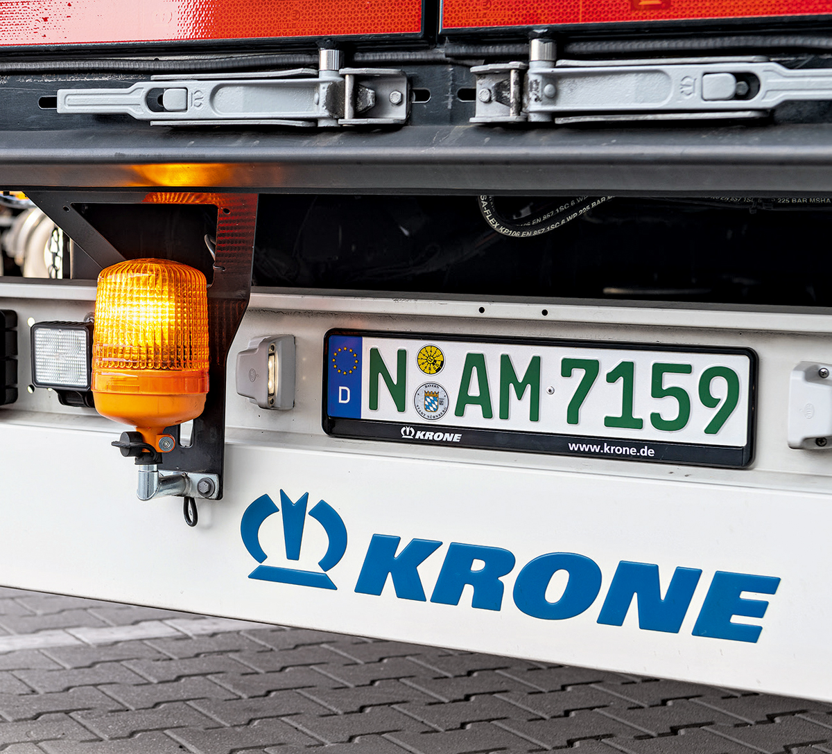 Premium in all sectors: With its broad product portfolio, Krone is able to fulfil all the wishes of Nuremberg's hauliers with an all-rounder trailer.