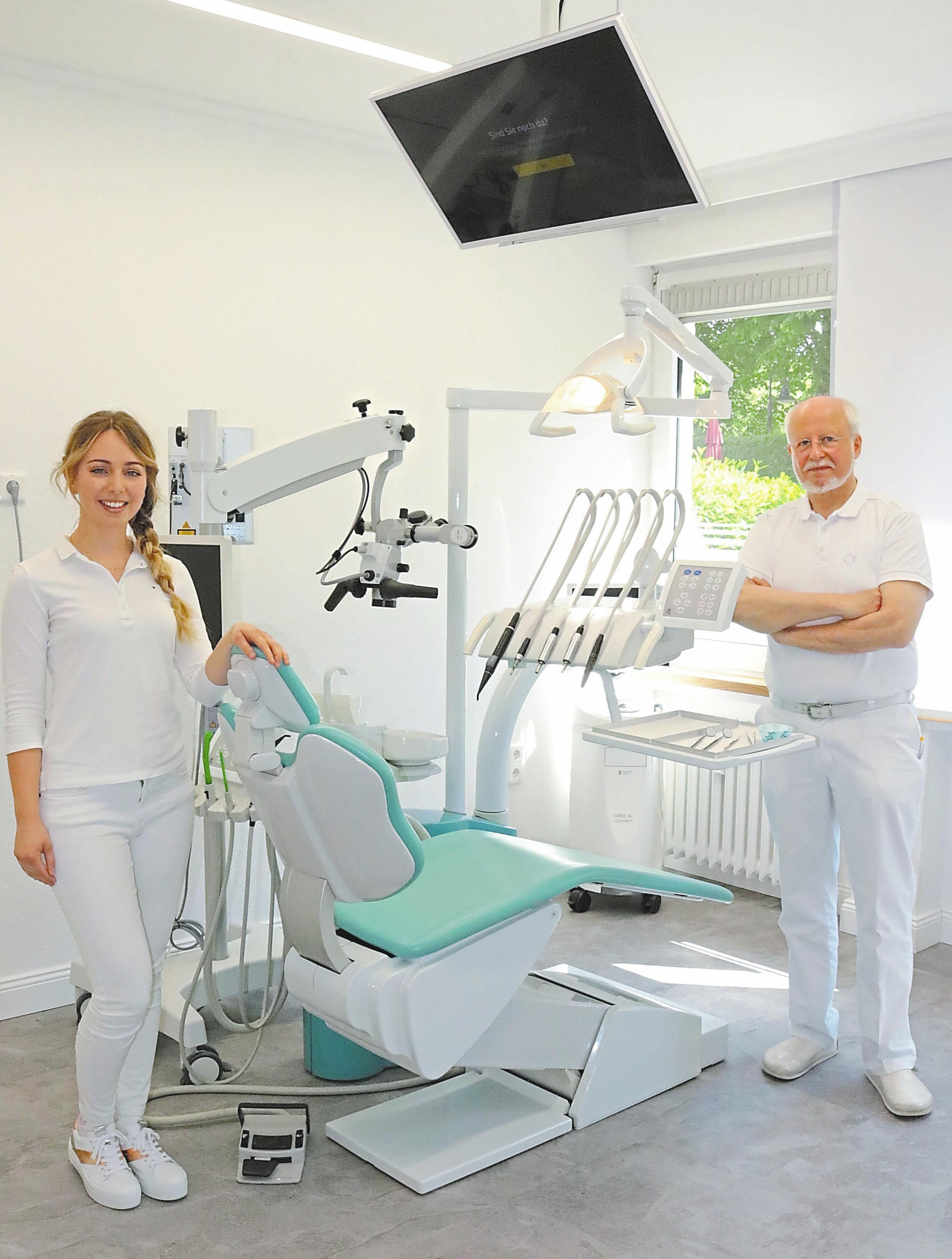 Dr. Maria Gennert arbeitet mit Dr. Christian Pieper im Zahnmedizinischen Versorgungszentrum alphadentalis zusammen.