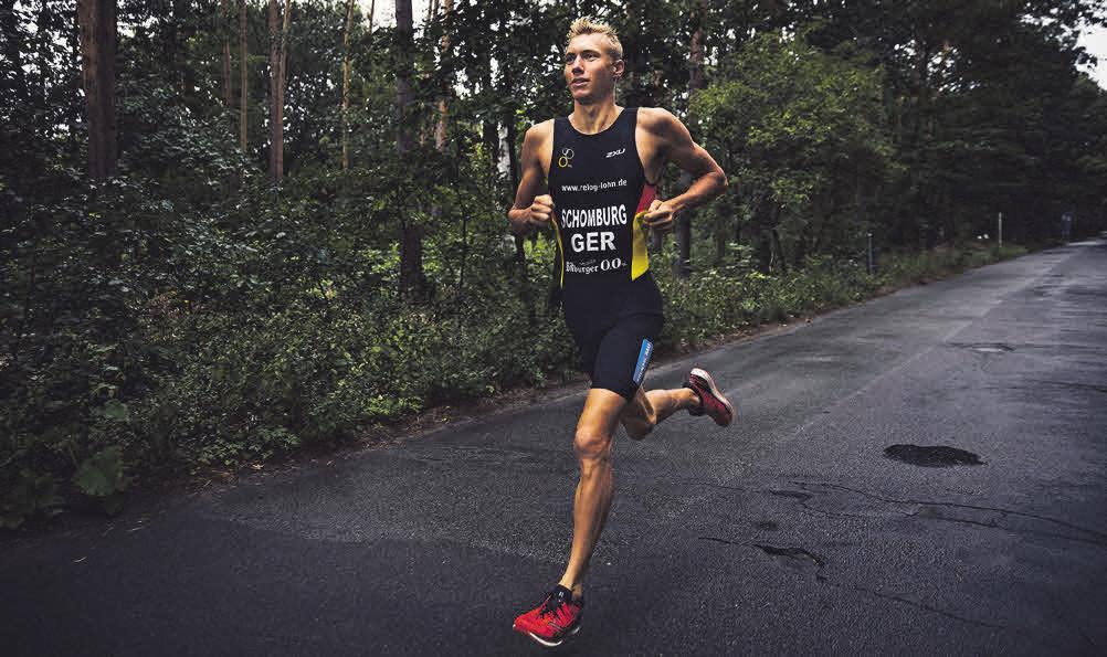 Triathlet Jonas Schomburg, der bei den Olympischen Spielen in Tokio startet, gibt nützliche Tipps für Laufeinsteiger. Foto: djd/Bitburger/HAVE A GOOD ONE