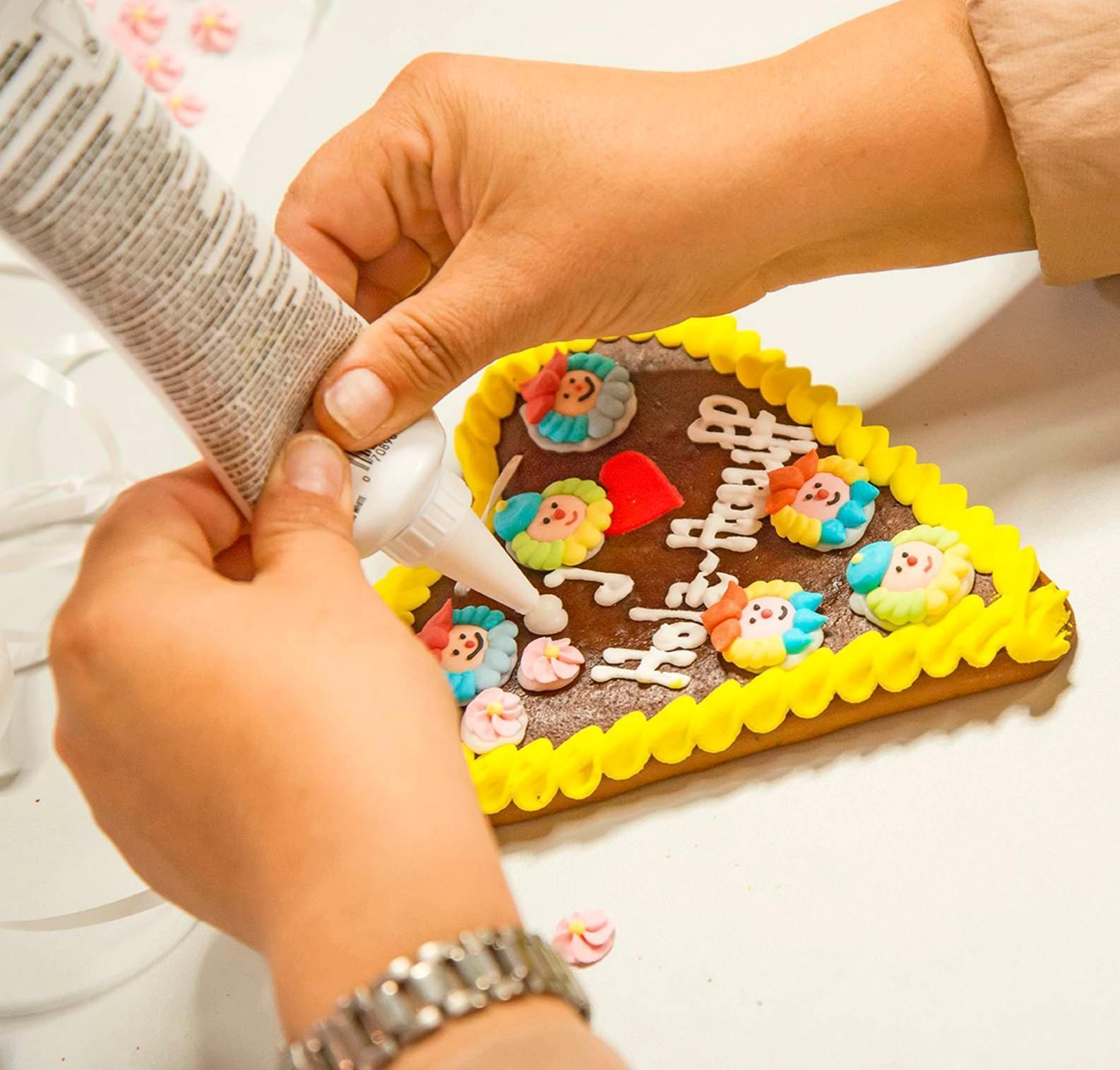 Während sich die Erwachsenen über das reichhaltige Angebot vor Ort informieren, können die Kleinen am Kinderprogramm teilnehmen.