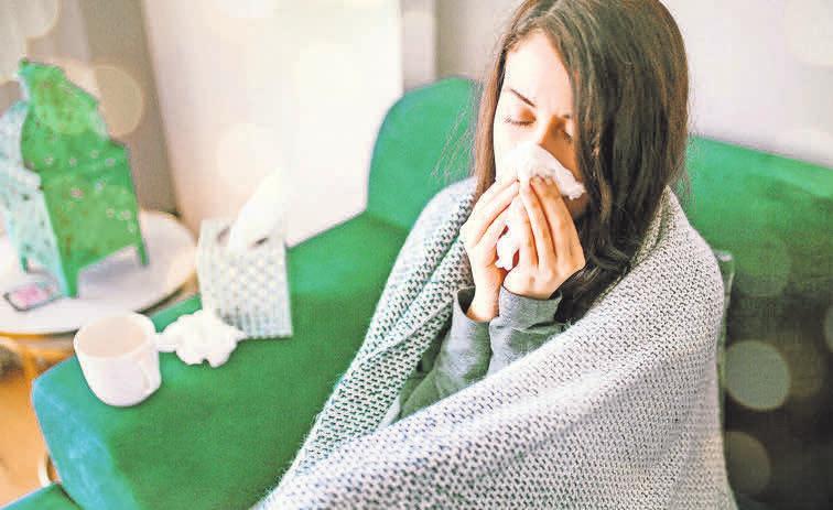 Auch eine Erkältung kann für den Körper viel Stress bedeuten. Foto: djd-Getty