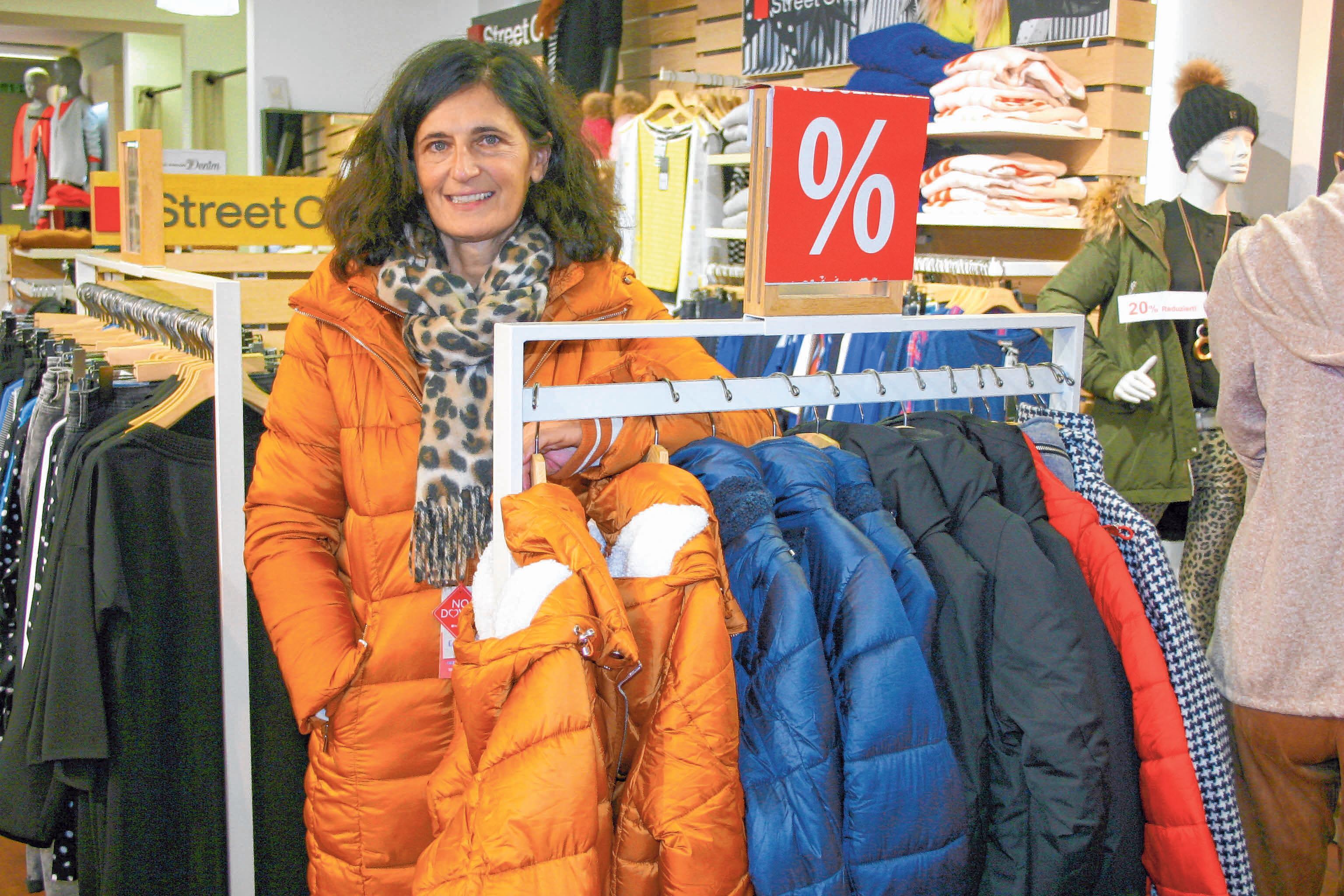 Mode-City bietet erhebliche Preisnachlässe bei Winterjacken und -mäntel für Damen und Herren.