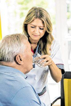Die häusliche Krankenpflege kann ärztlich verordnet werden. BILD: AOK