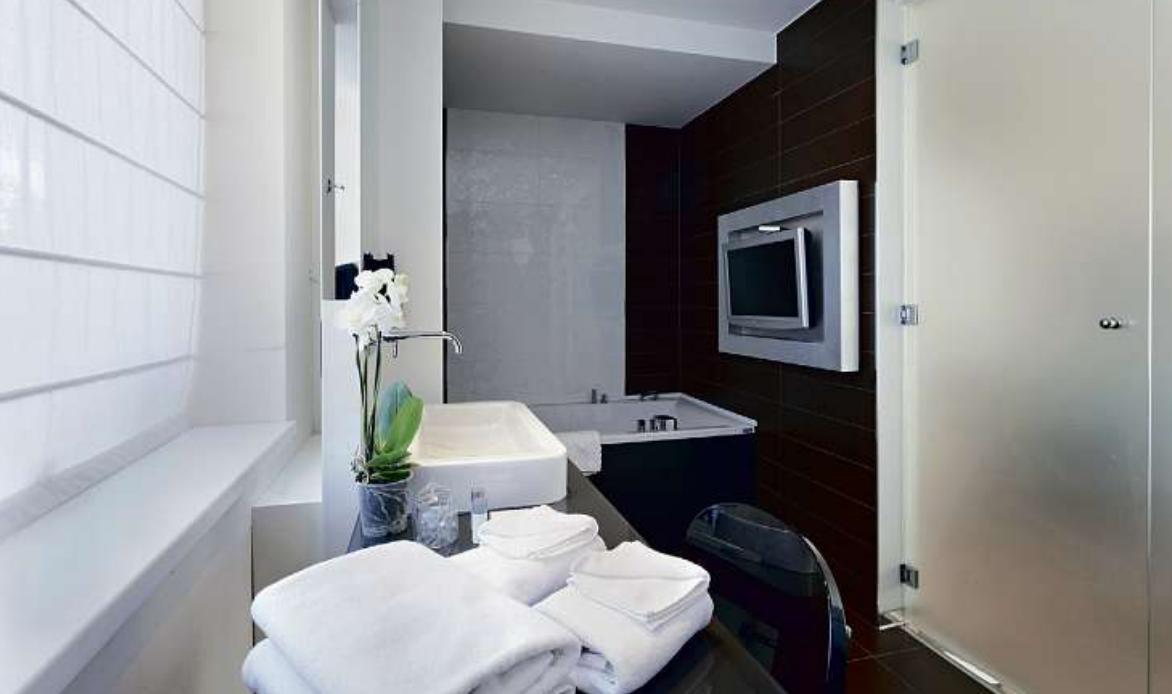 Smart: Die Digitalisierung ist längst auch im Badezimmer angekommen.Foto: rilueda/Fotolia/ZVSHK