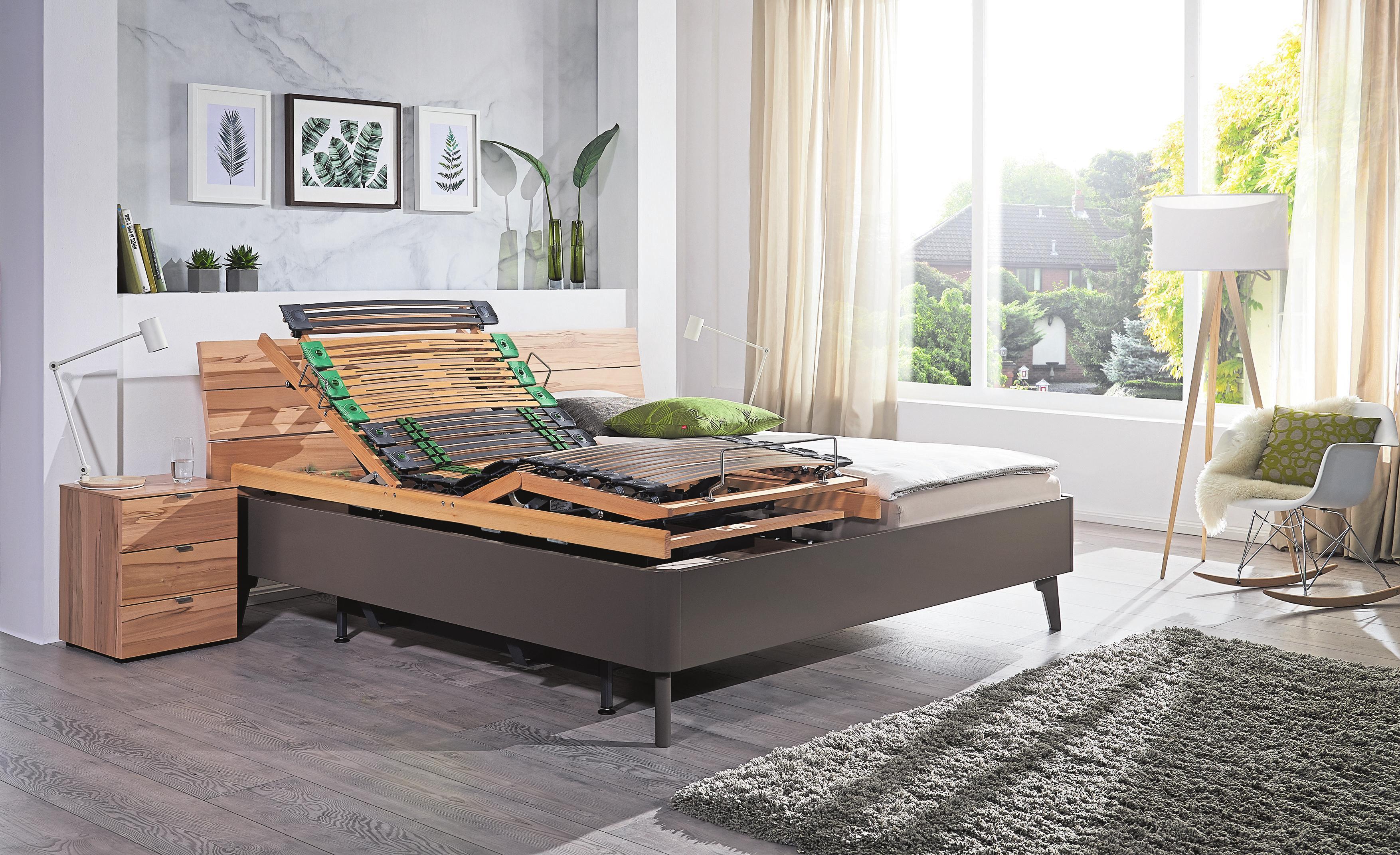 Motorisch verstellbare Liegeflächen runden den außergewöhnlichen Komfort von Kirchner-Betten ab.
