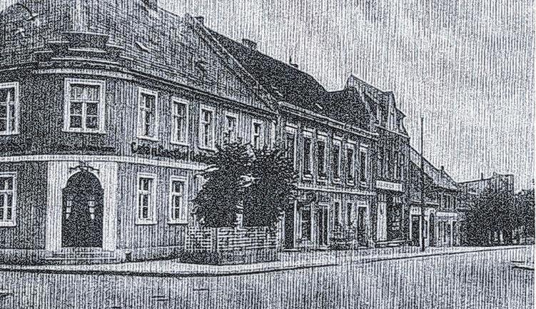 """Gasthof """"Zur goldenen Kugel"""": Er wurde im Krieg 1945 komplett zerstört. Dort entstand das Kaufhaus."""