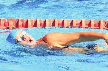 Schwimmen ist eine der drei Triathlon-Disziplinen.