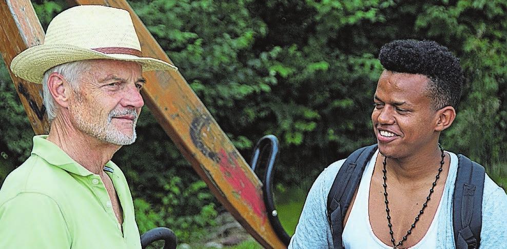 Erwin und Adil bei der Abschlussfeier des ersten gemeinsamen Jahres. Bilder: zvg