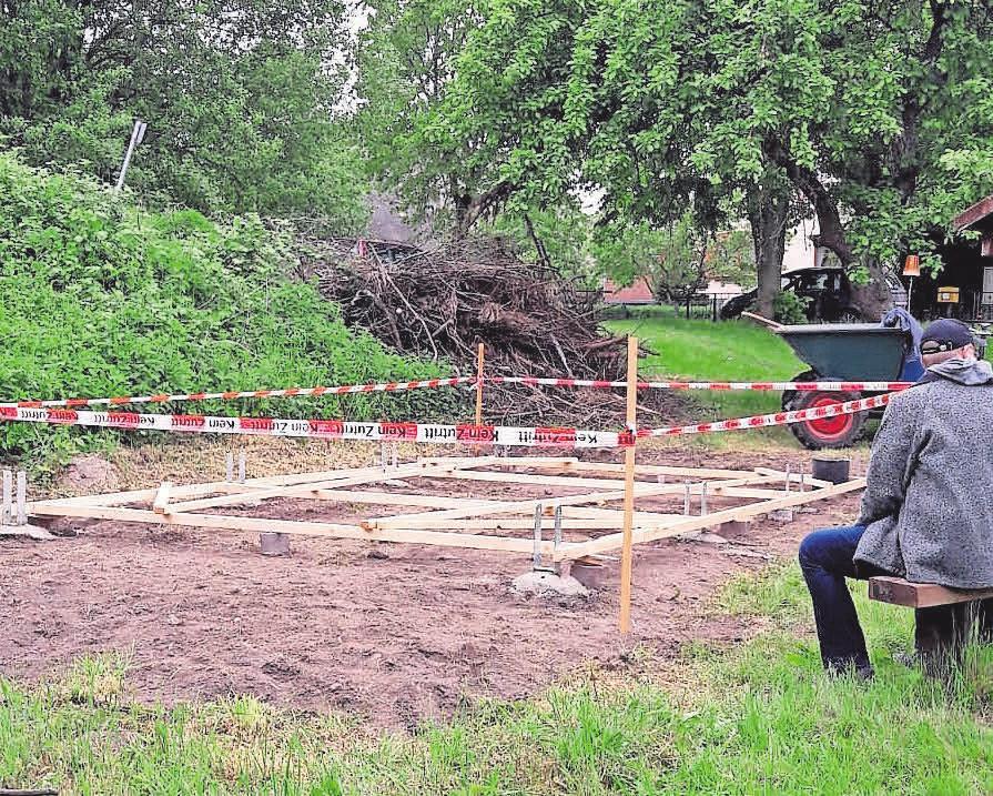 Die Idee, in Gutow einen Unterstand zu errichten, hatte die Dorfgemeinschaft. Foto: Mandy Krüger