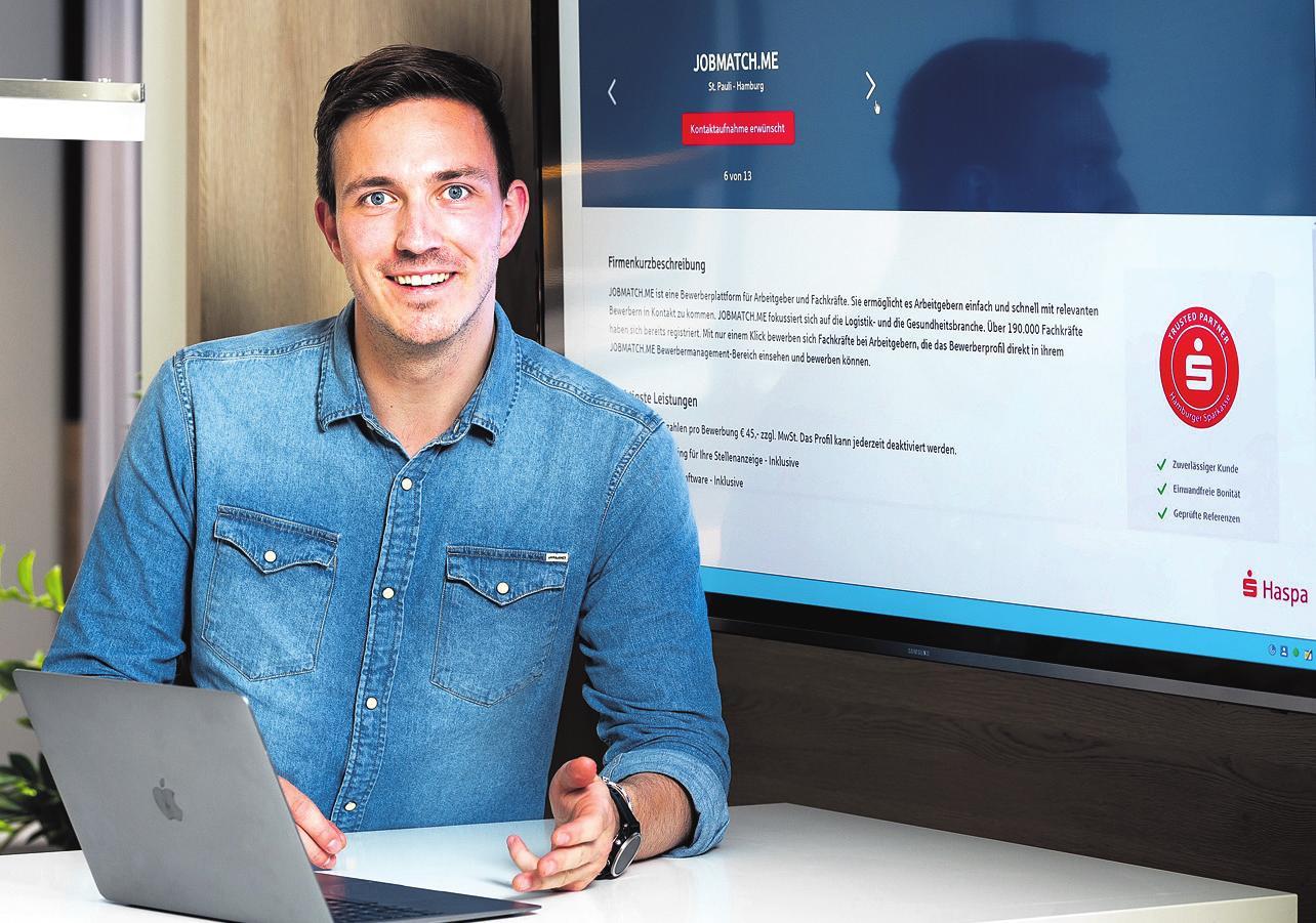 """Sebastian Ritt ist Product Owner bei der Haspa und Entwickler von Haspa Connect. Er sagt: """"Mit Haspa Connect können Firmeninhaber direkt von unseren langjährigen und vertrauensvollen Kundenbeziehungen und unserem einzigartigen regionalen Netzwerk profitieren."""" Foto: Haspa/Romanus Fuhrmann"""