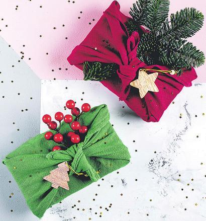 Die bunten Tücher lassen sich einfach und ohne Klebeband verknotenFoto: Anikonaann/stock.adobe.com