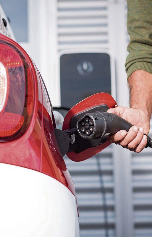 Nicht nur E-Autos, auch private Ladestationen werden staatlich gefördert. Bild: djd/ProMotor/T. Volz