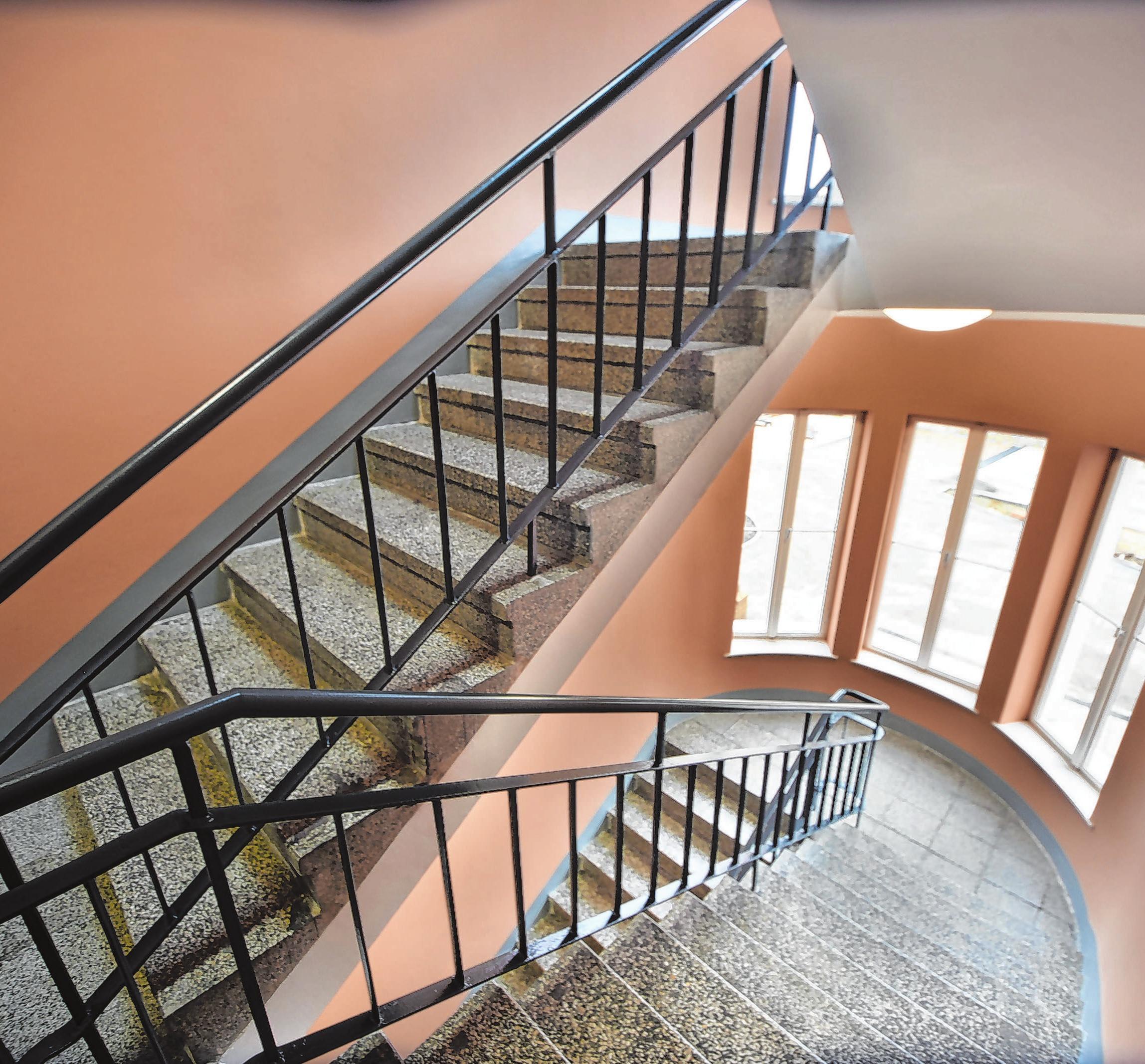 Historie erhalten: Der alte halbrunde Anbau ist ein schicker Treppenaufgang geworden