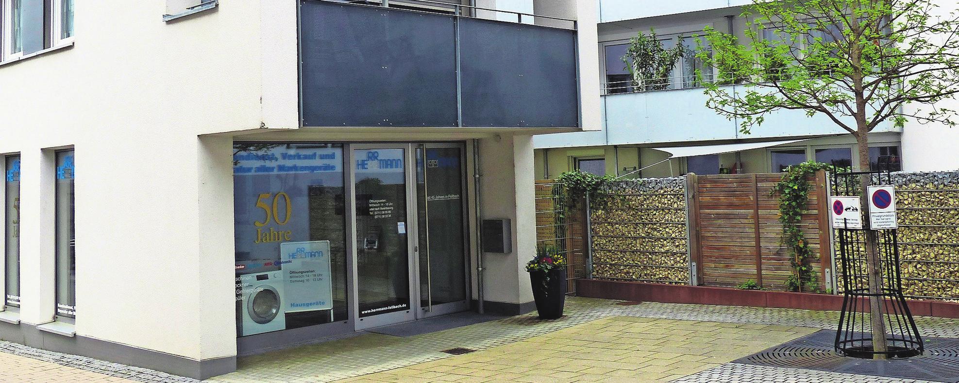 Das barrierefreie Ladenlokal im Rathaus-Carreé ist zentral gelegen und verfügt über eigene Parkplätze.      Fotos: kae (2)