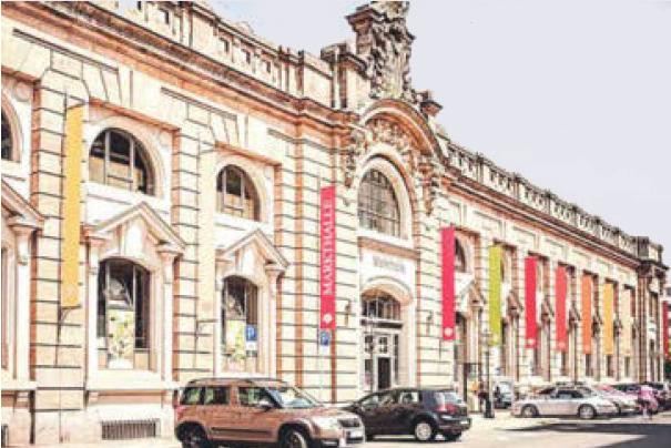 Ein Stück altes Dresden erstrahlt seit 2000 in neuer Pracht die Neustädter Markthalle
