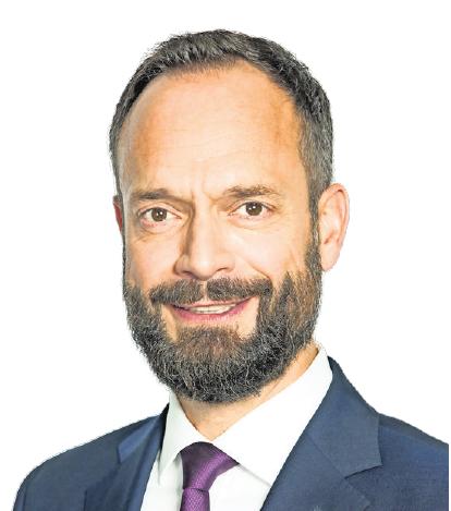 AOK-Vorstandschef Tom Ackermann bleibt an der Spitze der AOK NORDWEST.