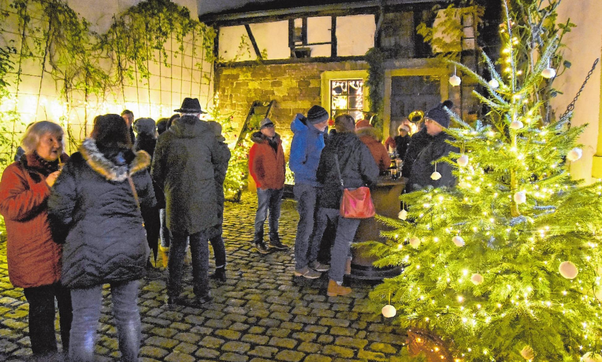 """Vorweihnachtliche Stimmung versprechen die Höfebetreiber in den kommenden Wochen mit der Aktion """"Haßfurter Funkeln"""". FOTO: ULRIKE LANGER"""