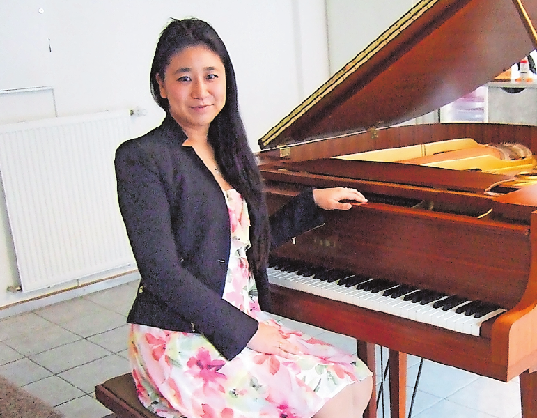 Bietet kostenlose Probestunde: Klavierschulen-Inhaberin Nami Okada. FOTO: SCHAAR