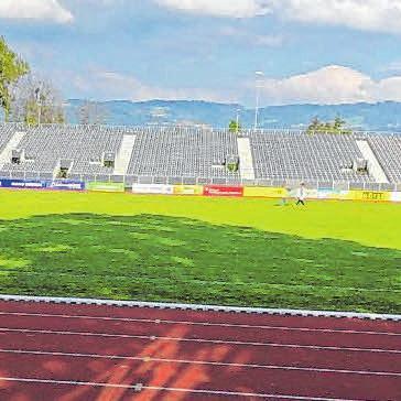 Mayer ist der beste Mann bei der SpVgg. Im Lindauer Stadion wurden bereits zusätzliche Tribünen für 7500 Fans aufgebaut.