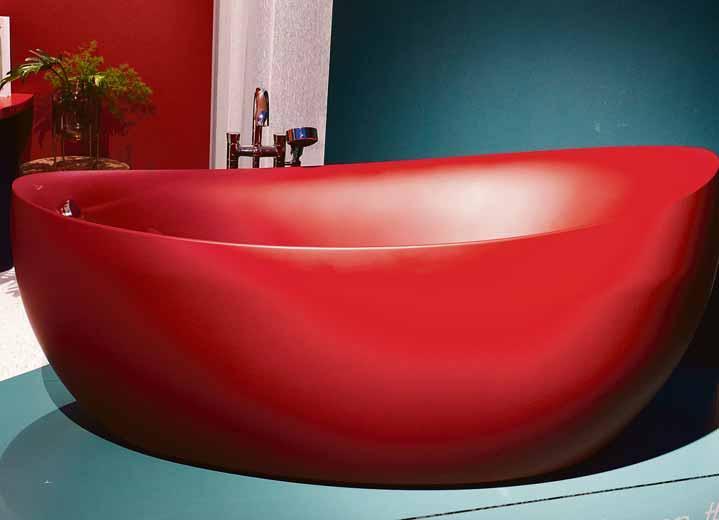 Volle Farbkraft voraus: Buntheit im Bad in Form von knalligen Kombinationen steht für Optimismus im Leben. Immer mehr Einrichter finden daran Gefallen.