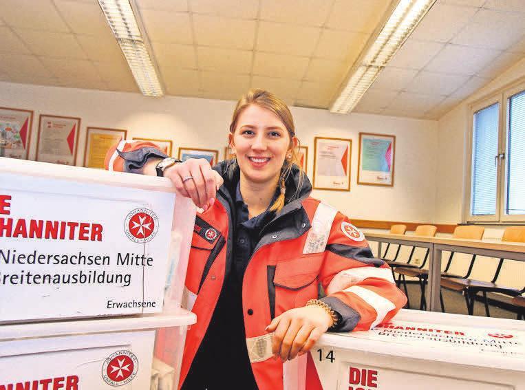 Jana Schimek arbeitet seit ihrem Abi als Erste-Hilfe-Trainerin.